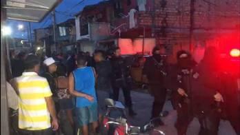 __Chacina deixa 11 mortos e um ferido em bar de Belém__ (Marcus Pimenta/Record TV Belém)