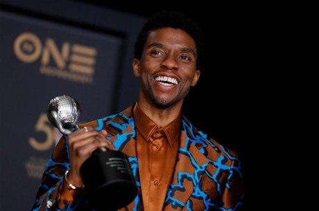 Boseman receberá estátua em sua homenagem