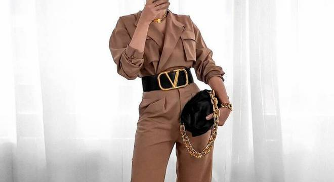 Chain pouch elegante