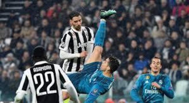 Gol de Cristiano Ronaldo, então no Real, contra a Juventus