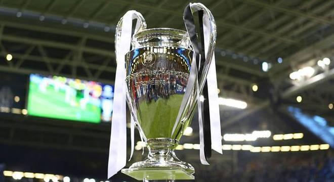 A linda taça da Champions League