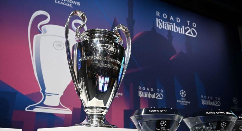 """A taça da """"Champions"""", a caminho de Istambul"""