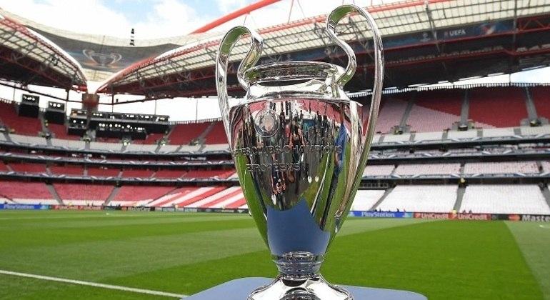 "A taça da ""Champions League"""