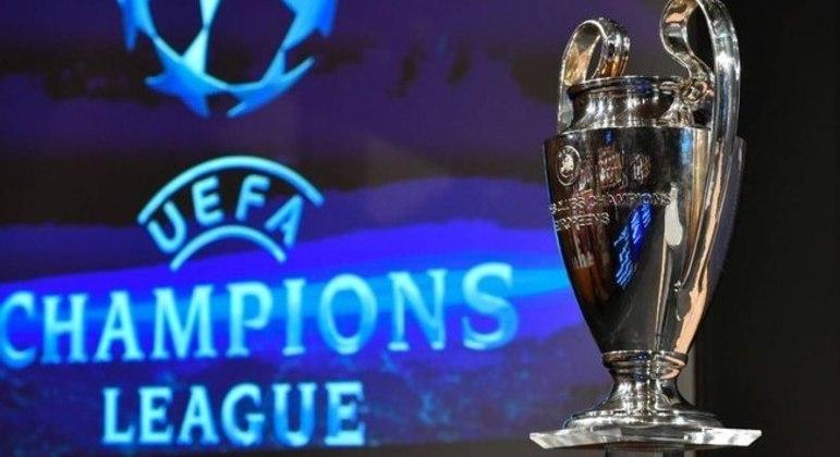 "A taça da ""Champions"""