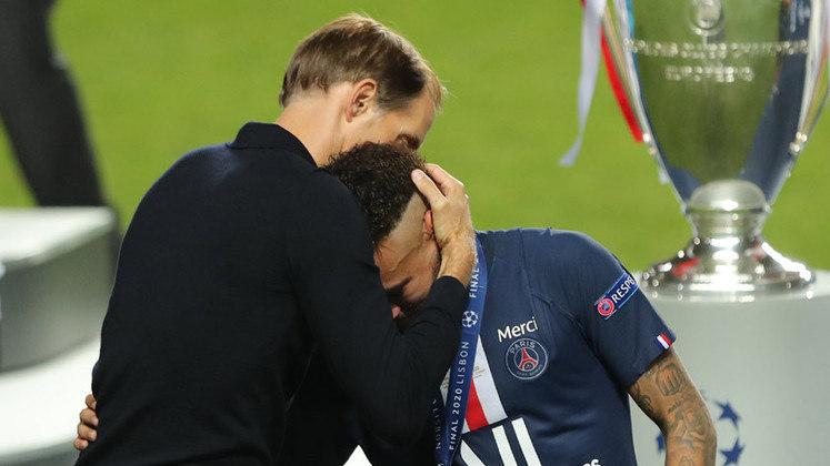 CHAMPIONS LEAGUE 2019-20 - Foi triste para Neymar, mas o Bayern foi um time poderoso na competição e na final. Que o diga os 8 a 2 que desmontou o Barcelona por completo. Apesar do choro, está provado que Neymar é mais alegria.