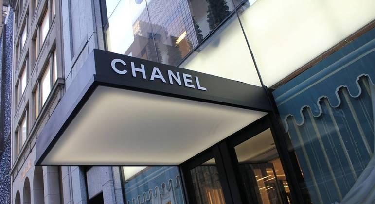 Loja da Chanel em Nova York teve 32 bolas e 12 carteiras roubadas na última terça-feira (2)