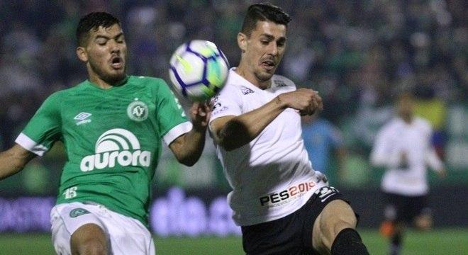 Chapecoense e Corinthians jogaram nesta quarta (15), em Chapecó