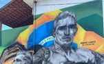 De volta ao Guarujá, Charles do Bronx foi surpreendido com uma gigantesca arte em sua homenagem