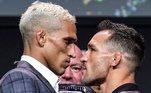 O duelo contraChandler começou antes mesmo da luta. A diferença era enorme. O brasileiro teve até que olhar pra baixo para encarar o adversário