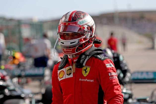 Charles Leclerc fez 1min17s090, apenas quatro décimos atrás da pole, e larga em quarto