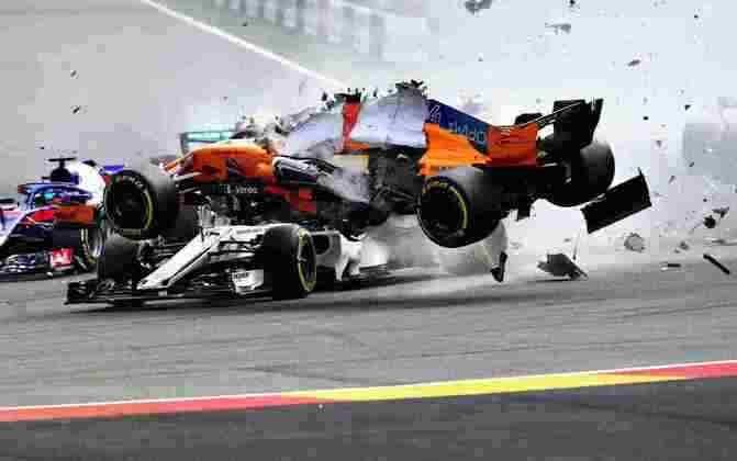 Charles Leclerc foi salvo pelo halo ao ver o carro de Fernando Alonso passar por cima de sua Sauber na Bélgica em 2018.
