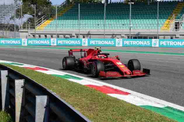 Charles Leclerc perdeu o controle do carro, bateu e abandonou o GP da Itália