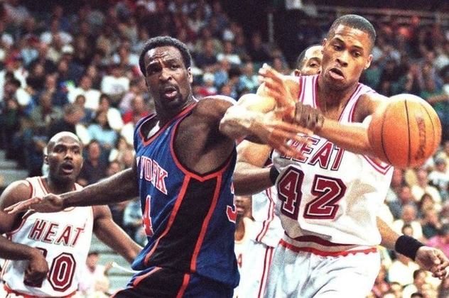 Charles Oakley- Grande reboteiro, jogou no Chicago Bulls antes de transferir-se para o New York Knicks, onde, de fato, era odiado por nove a cada dez pessoas na liga. Oakley tinha fama de bater mais do que o normal para um jogador voluntarioso, mas era ótimo jogador