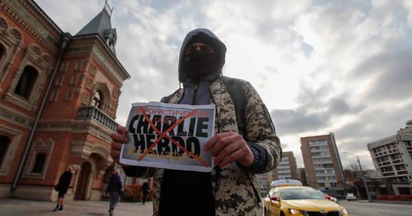 Julgamento do caso Charlie Hebdo volta a ser adiado na França