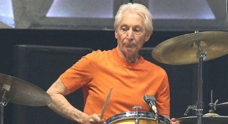 Charlie Watts passa por cirurgia e deixa turnê dos Rolling Stones