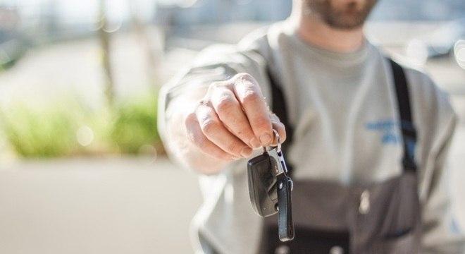 Carro financiado não deve ser declarado em dívidas