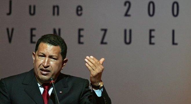 Chávez governou num período em que o preço do petróleo, fonte principal de receitas da Venezuela, estava em alta. Maduro não teve a mesma 'sorte'