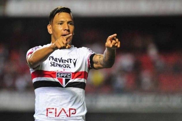 Chávez (nove gols - 2016) - Peça importante no ataque, o atacante argentino Andrés Chávez fez nove gols em 21 partidas do São Paulo no Brasileiro daquela temporada.