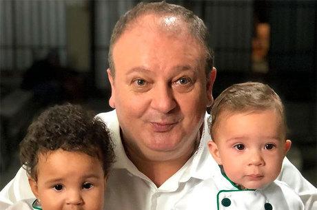Chef Erick Jacquin com os filhos gêmeos