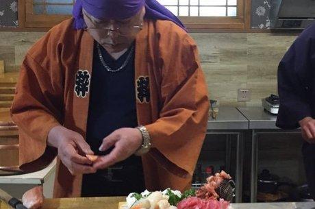 Fujimoto em seu restaurante na Coreia do Norte