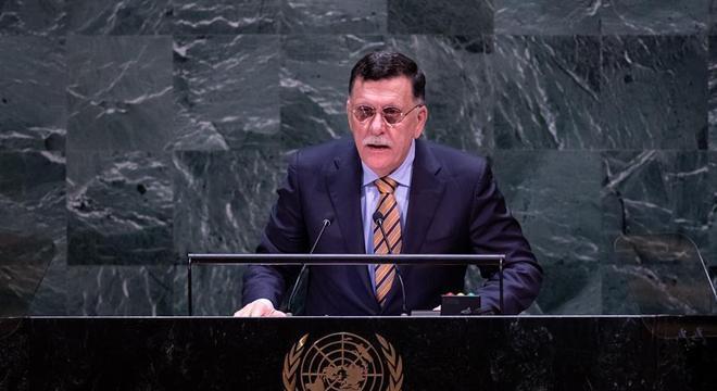 Chefe do governo líbio, Fayez al-Sarraj renunciou em pronunciamento institucional