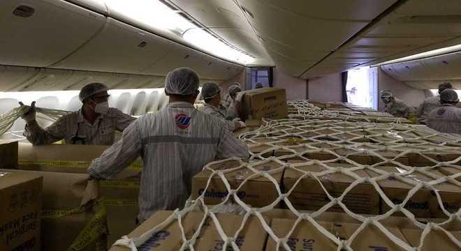 MInistério da Saúde comprou da China 960 toneladas de máscaras