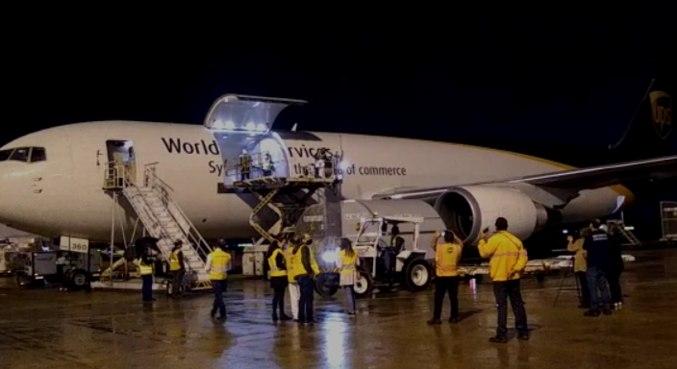 Novo lote com mais 628 mil doses da vacina da Pfizer chega ao aeroporto de Viracopos