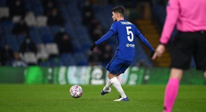 Penal em favor do Chelsea, o momento da cobrança de Jorginho