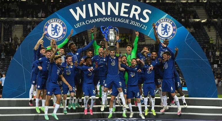 O Chelsea, atual detentor do troféu