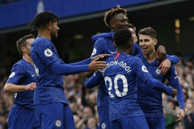 CHELSEA - Com 498 transferências, o Chelsea ganhou 1,22 bilhão de euros (cerca de R$ 7,41 bilhões).
