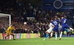 O recém-contratadoe jogador mais caro da história do futebol mundial, Romelu Lukaku marou o golda vitória de cabeça, após assistência do lateral Azpilicueta.