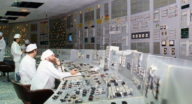 Em Chernobyl, houve uma lenta reação em cadeia