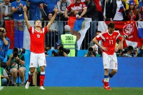Cheryshev comemora segundo gol russo