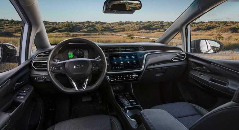 Modelo conta com multimídia de 10,2 polegadas com conexão com Apple CarPlay e Android Auto