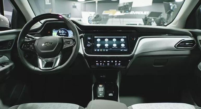 Modelo tem central multimídia de 10,2 polegadas com Apple CarPlay e Android Auto