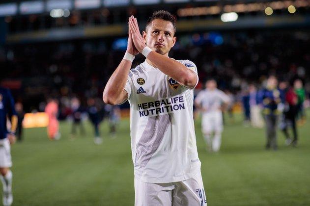 Chicharito (32 anos) - Clube: Los Angeles Galaxy - Posição: atacante - Valor de mercado: 2,2 milhões de dólares.