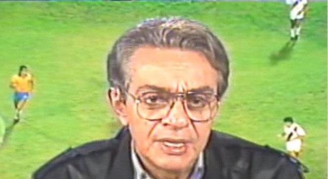 Chico Anysio já havia trabalhado como comentarista esportivo no rádio. Mas entre 1989 e 1990, ele exerceu a função na Rede Globo. Além disto, intercalando as gravações do