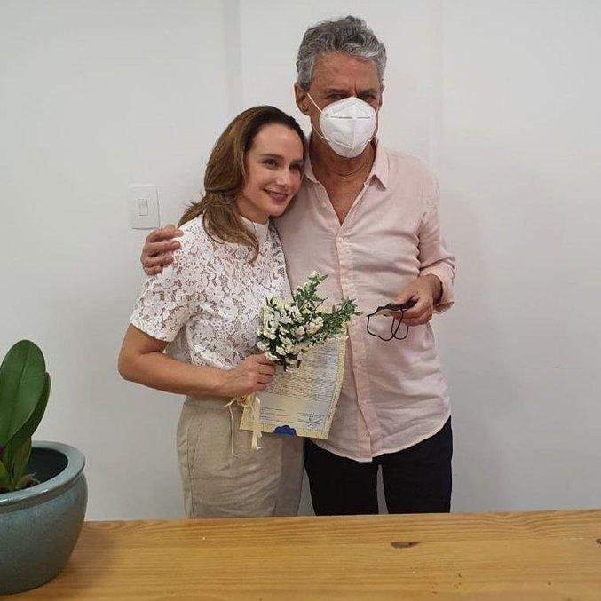 Chico Buarque e Carol Proner estão juntos desde 2017