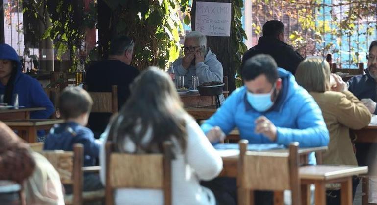 Chile registra taxa de infecções inferior a 3% pelo terceiro dia consecutivo