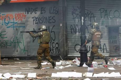 Piñera suspende estado de exceção no Chile