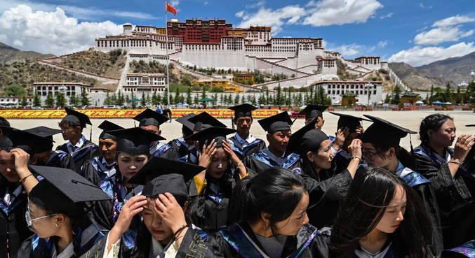 China aplica multas milionárias contra empresas de educação