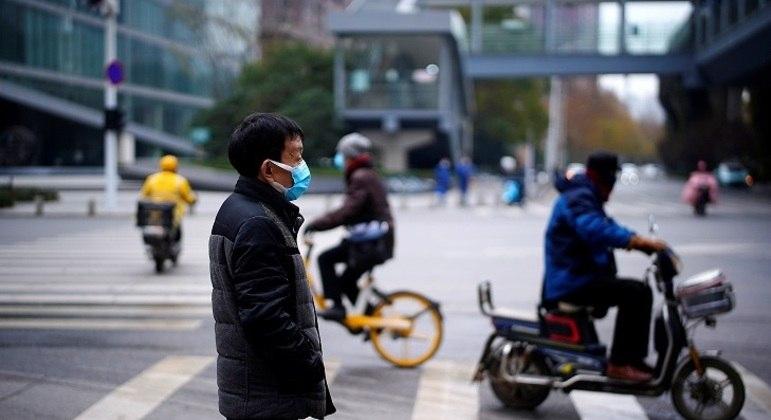Uso de máscaras foi reduzido desde o confinamento massivo em janeiro de 2020