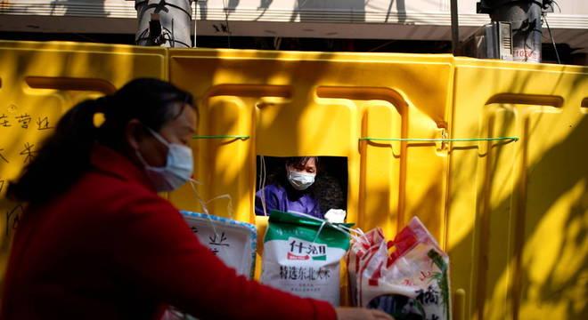 Em Hubei, província onde se originou o surto de coronavírus, não houve novos casos