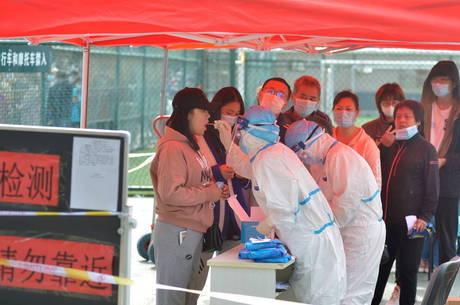 Surto em Qingdao tem 13 casos confirmados