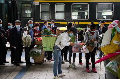 Número de casos locais voltam a subir na China