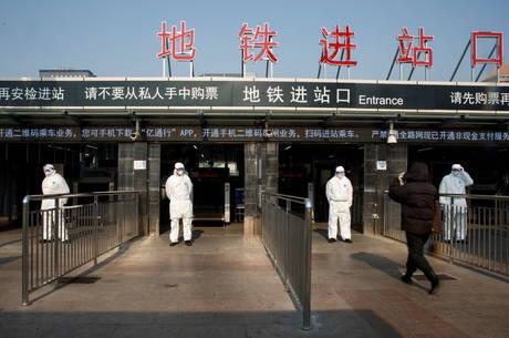 Metrópole industrial de Wuhan foi confinada
