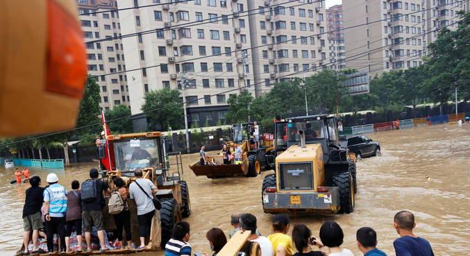 Pelo menos 51 pessoas morreram com inundações na China