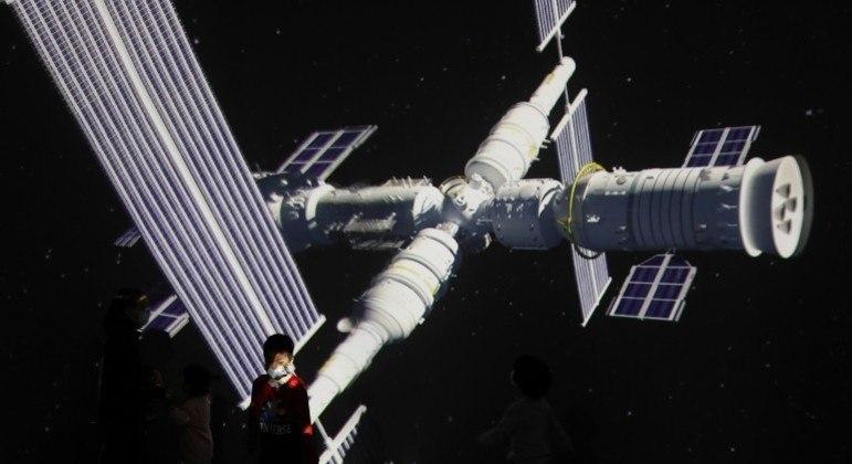 Robô que pode retirar lixo espacial da órbita da Terra foi lançado pela China