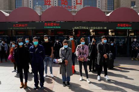 China presta homenagem às vítimas do coronavírus