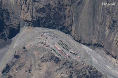 China está construindo acampamento na fronteira